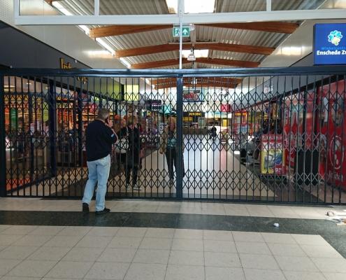 schaarhek tegen overlast winkelcentrum enschede